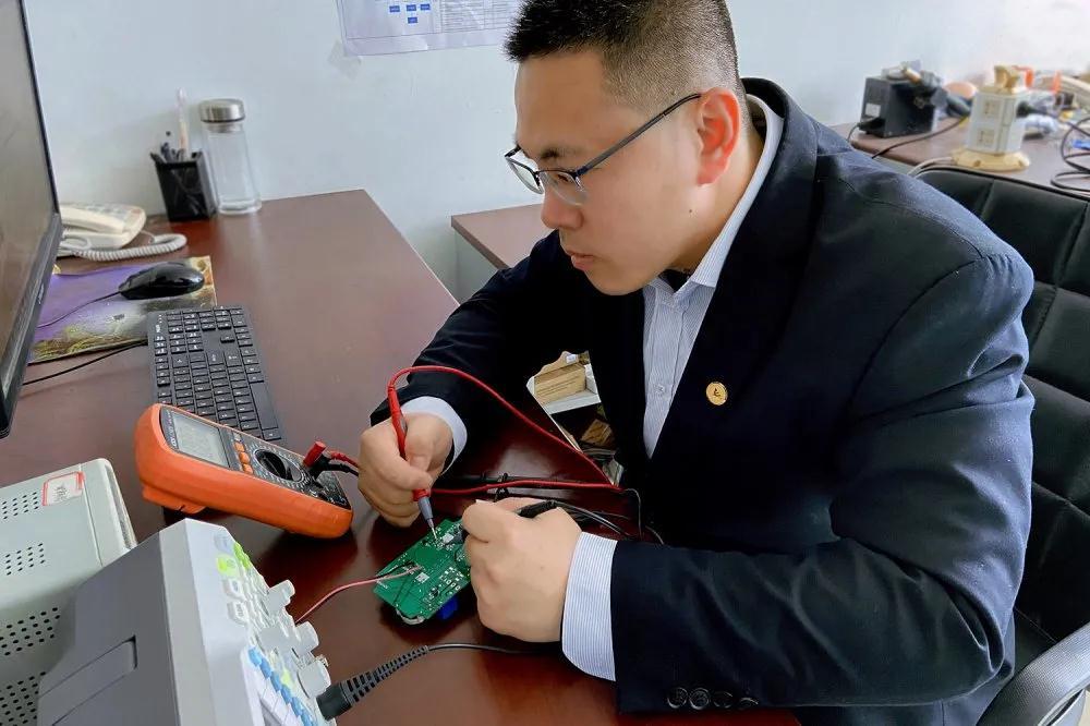 名人堂张磊|潜心蓄力攻研发 用科技铸就beplay手机下载竞争力