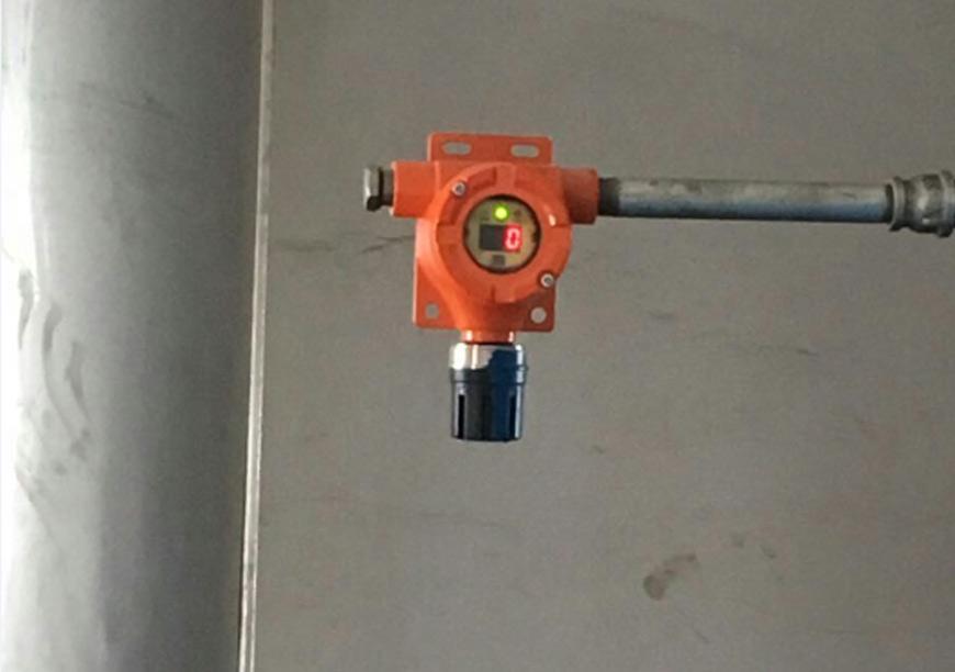QB10燃气报警器管道式安装.jpg